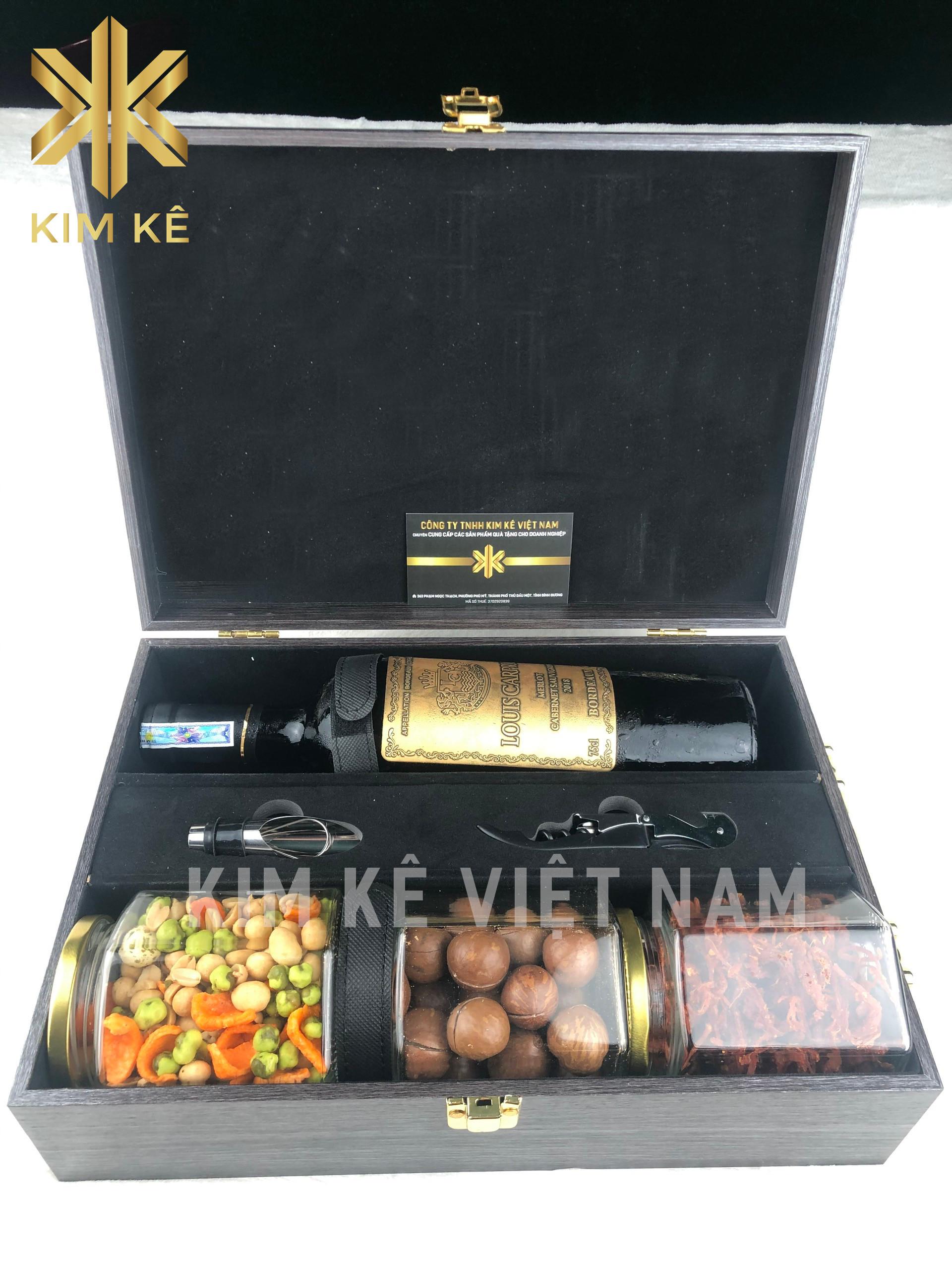 Mẫu vali rượu vang và các loại hạt